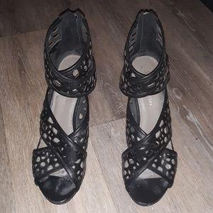 B. Makowsky black heels-9.5